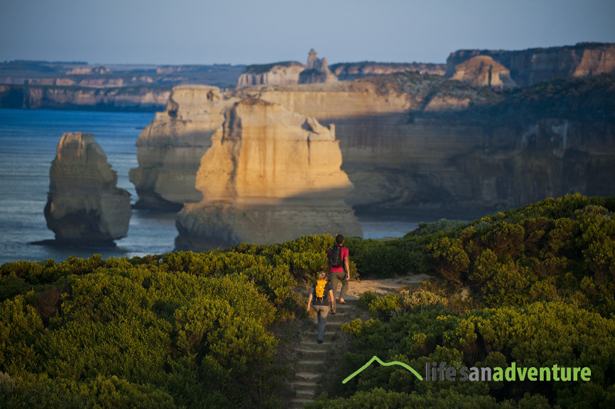 Couple hiking on the Great Ocean Walk